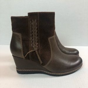 Earth Hilltopper Wedge Ankle Boots Suede Leather